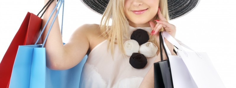 5091882-portrait-of-blond-in-hat-with-shopping-bags